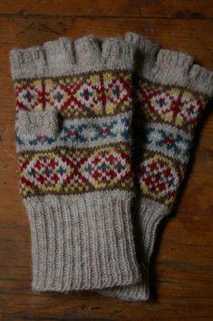 Fair Isle Fingerless Gloves great colors.