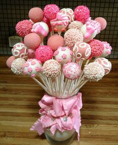 Baby Shower Cake Pop Bouquet by Susan Oliver – Jasmin Komm. Deco – # Baby Shower Cake Pop Bouquet - New Sites Baby Party, Baby Shower Parties, Baby Shower Themes, Baby Shower Decorations, Cute Baby Shower Ideas, Cake Pop Bouquet, Baby Bouquet, Baby Cakes, Cupcake Cakes