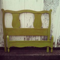 1000 images about vintage beds for molly on pinterest for Little girl twin bed frame