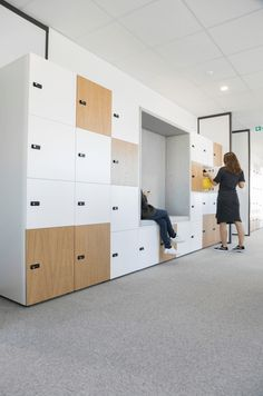 CASIERS CHOICE ALCOVE - MOORE Office Space Design, Workspace Design, Office Interior Design, Flex Office, Office Pods, Space Interiors, Office Interiors, Concours Design, Office Lockers