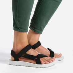 Original Teva® Original Universal Sport Sandals for Women on the official  Teva® website. Safe delivery by courier. 5d54217dd51