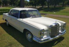 1962 Mercedes Benz 220SE Coupe Front