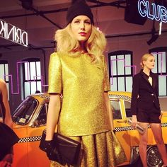 How fun is this glittery yellow outfit & beanie! We love the unexpected combo. @katespadeny #nyfw @fall2013