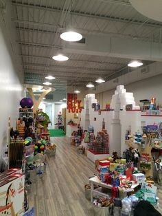 #BigCityToys builds giant #EverBlock display for their grand opening