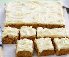 This version of the classic hummingbird slice by Woman& Day marries pineapple, carrot and pecans together beautifully. Top with passionfruit laced cream cheese for a delightful treat. Hummingbird Cake Recipes, Hummingbird Food, Baking Recipes, Dessert Recipes, Dessert Bars, Cake Bars, Party Desserts, Baking Ideas, Ma Baker