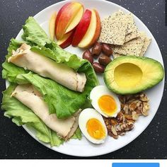 Healthy Snacks Tasteful Healthy Lunch Ideas with High Nutrition for Beloved Family Healthy Meal Prep, Healthy Snacks, Healthy Eating, Dinner Healthy, Breakfast Healthy, Quick Healthy Food, Healthy Food Plate, Diet Recipes, Cooking Recipes