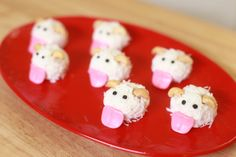 Here are the Poro Coconut Truffles from Nerdy Nummies! ♥♥♥