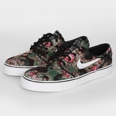 "Here is a look at the upcoming Nike SB Zoom Stefan Janoski ""Digital Floral Camo"" that is part of Nike SB's April 2013 Collection. Featuring a Floral Camo print on the upper with Pink and Olive accents sitting atop a White midsole. Nike Sb Janoski, Nike Zoom Stefan Janoski, Janoski Shoes, Nike Shoes, Sneakers Nike, Nike Footwear, Floral Sneakers, Floral Shoes, Mens Trainers"