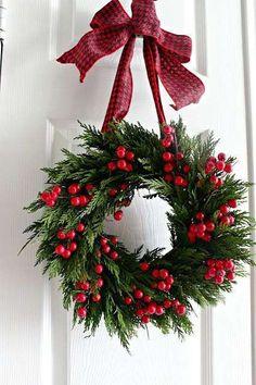 Tinker Christmas wreath - 20 ideas - Christmas 2017 - tinker for Christmas . - Tinker Christmas wreath – 20 ideas – Christmas 2017 – tinker for Christmas – DIY decoration - Christmas Wreaths To Make, Noel Christmas, Christmas 2017, Holiday Wreaths, Christmas Crafts, Christmas Ornaments, Holiday Decor, Winter Wreaths, London Christmas