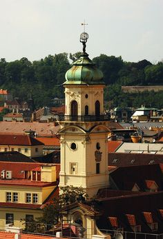 PRAHA STOVĚŽATÁ - virtualni prohlidka z prazskych vezi Music Film, Ancient Architecture, Cathedrals, Czech Republic, Taj Mahal, Around The Worlds, Building, Pretty, Travel