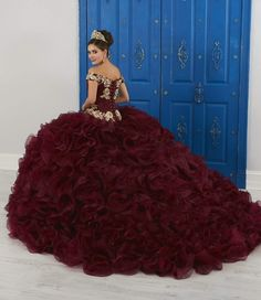 Quince Dresses Mexican, Quince Dresses Burgundy, Mexican Quinceanera Dresses, Mariachi Quinceanera Dress, Quinceanera Party, 15 Dresses, Girls Dresses, Simple Dresses, Formal Dresses