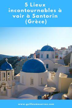 Découvre la sublime île de Santorin ou Santorini dans les Cyclades (Grèce). Au menu : Fira, Pyrgos, Red Beach, Nea Kameni et les incroyables couchers de soleil d'Oia. Santorin est probablement l'un des spectacles naturels les plus incroyables de Méditerranée avec sa caldeira. Certains affirment même que c'est l'île de l'Atlantide. #santorin #cyclades #grece #fira #pyrgos #redbeach #neakameni #oia #voyage #blogvoyage