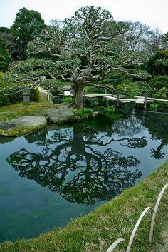 Korakuen Garden by Kieron Helsdon