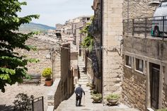 Sicilian Town Tells Outsiders: Take Our Homes. Please. - The New York Times