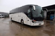 SETRA S 516 HD.  https://autoline.info/-/sale/used/coach-buses/SETRA-S-516-HD--17091121424910615500