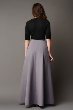 The Fumeterre skirt is a high-waisted maxi skirt. Version A is buttoned at the front with belt hoops. Version B has a fly front zipper and patch pockets. Long Skirt Outfits, Long Maxi Skirts, Midi Skirts, Lehnga Dress, Dress Skirt, Skirt Fashion, Fashion Dresses, Modest Fashion, Latest Indian Fashion Trends
