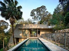 Cabbage Tree House by Peter Stutchbury Architecture & Issue 02 Feature & The Local Project New Zealand Architecture, Residential Architecture, Amazing Architecture, Contemporary Architecture, Architecture Details, Jaipur, Peter Stutchbury, Architect Sketchbook, Sydney