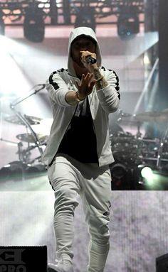 Eminem Poster, Marshall Eminem, Eminem Wallpapers, Eminem Rap, Eminem Memes, Best Rapper Ever, Eminem Photos, The Real Slim Shady, Eminem Slim Shady