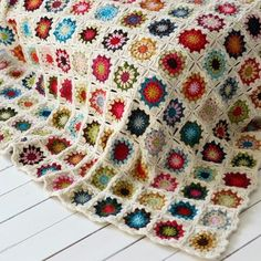 couvertute sunburst - Norweigan/English on how to, but the photo's really speak volumes. I love this pattern, thanks so xox