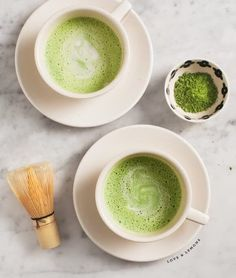 This 3-ingredient coconut matcha latte is packed with antioxidants and delicious flavor. It's healthy and warming - perfect for cool fall days. Vegan.
