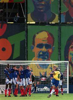 Roberto Carlos vs France