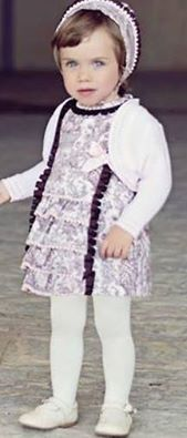 Vestido con capota MIRANDA  Tallas 18 y 24 meses (otras tallas consultar)  Precio: 45.90€ http://www.modainfantilpequeplace.es/modapequeplace/4933121/vestido-capota-miranda.html