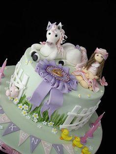 white pony cake by cake by kim, via Flickr