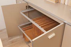 Ambiente Corporativo Planejado  - Detalhes aquivo, ferragens e acabamento do produto. http://www.moradamoveis.com/