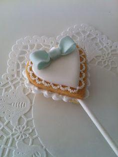 heart cookie pop