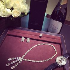 Instagram media totogugu - Time to rest  #holidays#luxury#lifestyle#diamond#watch#best#color#sparkling#wine#southafrica#fancy#life#peaceful#time#macao#macau#china#asia#gambling#city#casino