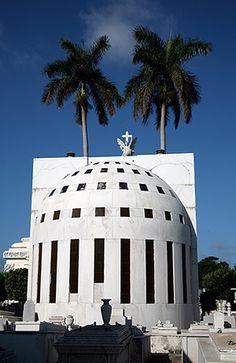 Havana art deco: Catalina Lasa Mausoleum, Columbus Cemetery, Havana
