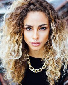 Flavia Santiago | 2019-07-12 Milkshake Hair Products, Curly Wurly, Curly Hair Styles, Natural Hair Styles, Diamond Face Shape, Bad Girls Club, Olive Skin, I Love Girls, Big Hair