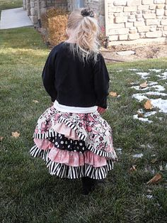 Tutorial for the Bustle Skirt.  So cute.  I think I would try spinning it around to the front and having the center of the bustles off to the side.