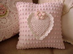 Vintage Chenille 'SWEET HEART' Pillow    Sweet Vintage door TWFaith