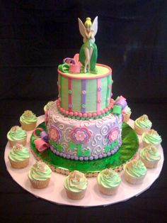 tinkerbell cake- maybe one day I'll have this for my birthday cake. Tink takes me to my inner child! Cupcakes, Cupcake Cakes, Foto Pastel, Tinkerbell Party, Fairy Cakes, Disney Cakes, Take The Cake, Pretty Cakes, Creative Cakes