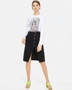 Horn Button Midi Denim Skirt