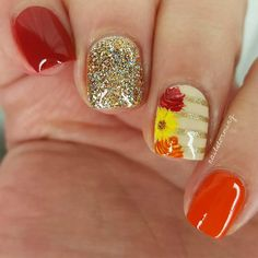 The trendiest fall nail designs require some practice to look perfect. However, if you are patient, you can easily make your nails look amazing. Fall Gel Nails, Autumn Nails, Winter Nails, My Nails, Fall Nail Art Autumn, Fall Winter, Thanksgiving Nail Designs, Thanksgiving Nails, Fancy Nails