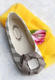 Joyfolie Delani shoes {available end of Jan} size 4- youth 1
