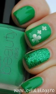 Nails, Nail Polish, Nail Art / So doing this for St. Patricks Day AND our Hennigan Family Reunions! - PinNailArt, Organize and Share Nail Art You Love.Nail Arts Pinterest !