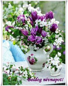 Beauty - animated wallpaper for phone - 1527128 Tulip Bouquet, Floral Bouquets, Floral Wreath, Balcony Flowers, Flower Planters, Beautiful Flower Arrangements, Floral Arrangements, Weird Plants, Purple Tulips