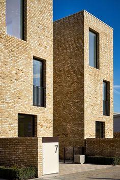 Signal Townhouses Brick Architecture, Minimalist Architecture, Residential Architecture, Terrace Building, Building Facade, Modern Townhouse, Mews House, Brick Facade, Facade Design