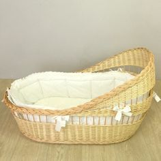 Moses basket. Bassinet with mattress and white bumper | Etsy
