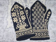 Ravelry: Floral Sampler Mittens pattern by Sonngard Reichle Knitted Mittens Pattern, Knit Mittens, Knitted Gloves, Knitting Socks, Hand Knitting, Knitting Patterns, Crochet Patterns, Fingerless Mittens, Wrist Warmers