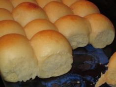 "These rolls are relatively easy to make with no bread machine required. They are the manual method of the ""Just THAT Good"" Soft and Buttery Yeast Rolls. They never fail to make huge, tall, soft, fluffy and buttery rolls. Prep time includes kneading and ri Bread Bun, Bread Rolls, Pan Bread, Easy Yeast Rolls, Homemade Yeast Rolls, Homemade Breads, Simple Yeast Roll Recipe, Homemade Buns, Easy Rolls"