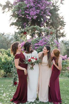 Elegant Micro Wedding of Maggie and Zachary at the Winery in Crete Chic Wedding, Perfect Wedding, Wedding Ceremony, Romantic Weddings, Destination Weddings, Bridesmaids, Bridesmaid Dresses, Countryside Wedding, Greece Wedding