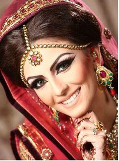 #FaryalMKhan Asian Wedding Makeup, Pakistani Bridal Makeup, Wedding Hair And Makeup, Pakistani Jewelry, Asian Makeup, Beautiful Indian Brides, Beautiful Bride, Faryal Makhdoom Wedding, Indian Marriage