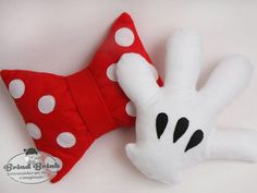 micky and minnie Disney Diy, Disney Crafts, Disney Mickey, Minnie Mouse House, Miki Mouse, Sewing Crafts, Sewing Projects, Disney Rooms, Sewing Pillows