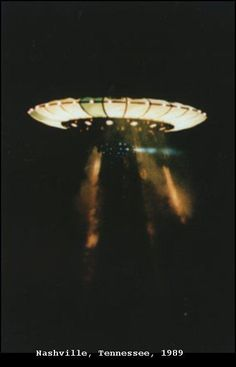 tutenchamunn:    1989 - Nashville, Tennessee. September 27. The photographs of these UFOs were provided by Commander Graham Bethune of the US Navy.