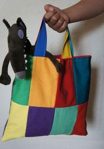 le sac du loup Petite Section, Wolf, Couture Sewing, Preschool, Diy, Ideas, Wolves, Short Stories, Chrochet