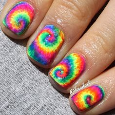 Try to bring creativity in nail art. Always try new styles of manicure and colour of nails. We always try to facilitate you with new ideas of nail art. Today, enjoy the tie dye nail art. Rainbow Nails, Neon Nails, Love Nails, Pretty Nails, Neon Rainbow, Rainbow Things, Rainbow Candy, Rainbow Swirl, Holographic Nails